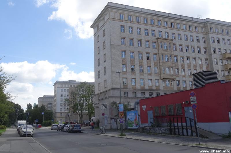 Stalinbauten am Weidenweg