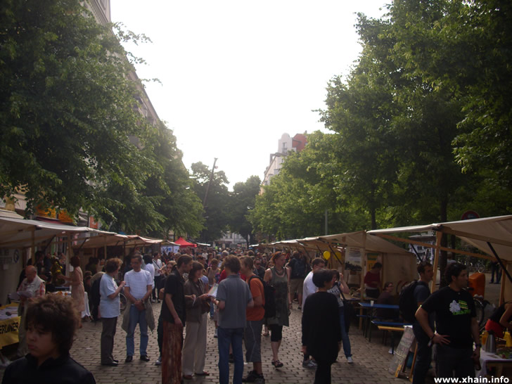 Verkaufsstände Weltfest Boxhagener Platz