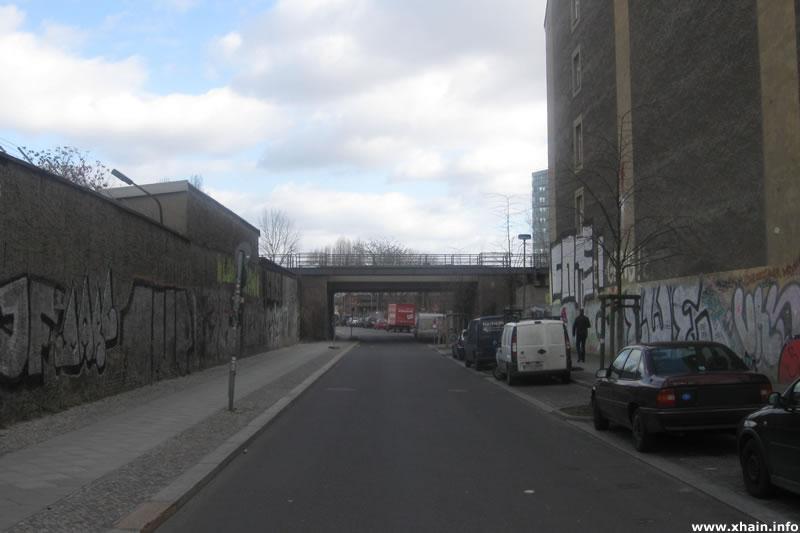 Wiesenweg, Blickrichtung Ringbahnbrücke