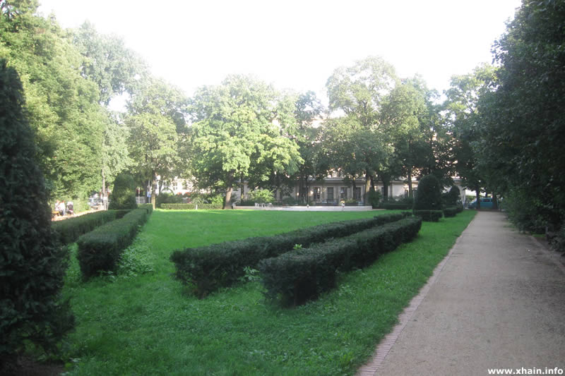 Wühlischplatz, Blickrichtung Holteistraße