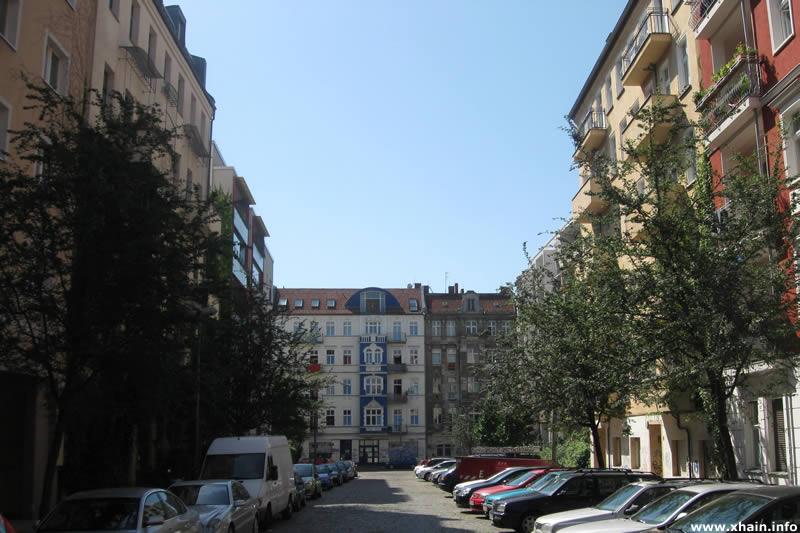 Zellestraße, Blickrichtung Rigaer Straße