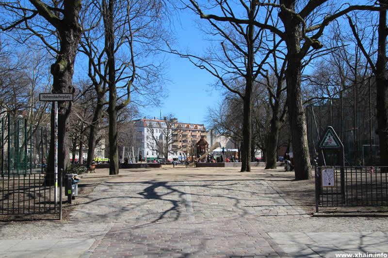 Hohenstaufenplatz. Eingang Schönleinstraße
